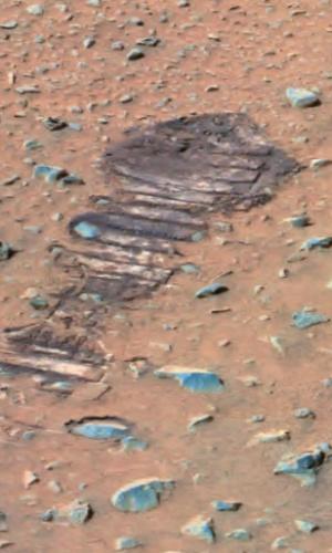 3.dez.2014 - Imagem obtida em 2004 pelo robô Spirit mostra rocha