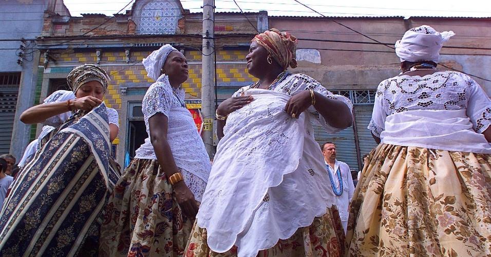 5.dez.2014 - Muito identificada com a cultura popular carioca, o candomblé é uma religião de origem africana que está na lista de patrimônios imateriais do Rio de Janeiro. A cidade completa 450 anos no dia 1º de março