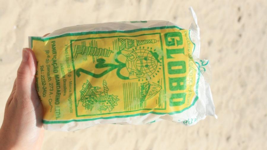 O biscoito Globo é um produto vendido nas praias do Rio de Janeiro desde os anos 1950 - Folhapress