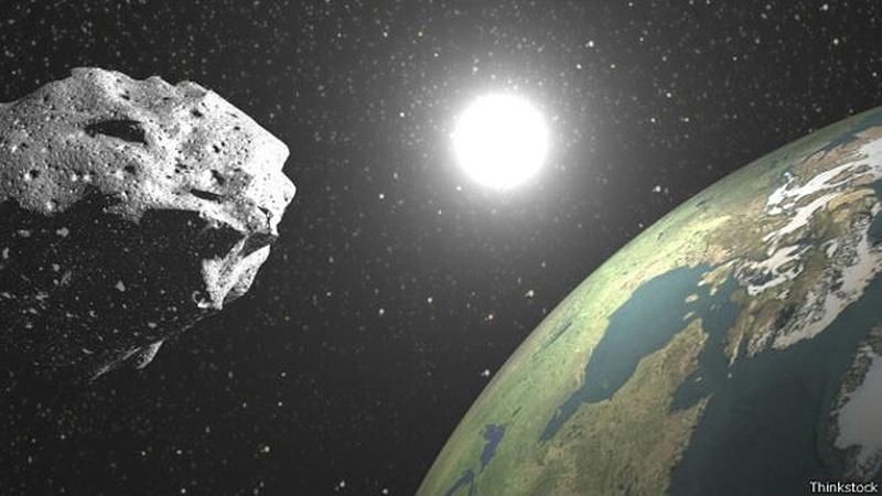 Imagem mostra asteroide rumo à Terra