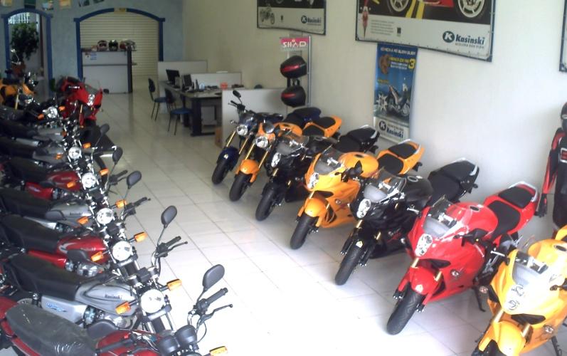 Loja de motos em Guarulhos que pertenceu ao empresário Ricardo Cruz. Após assalto em 2008, ele vendeu a loja, mudou de ramo e fundou a franquia Nação Verde