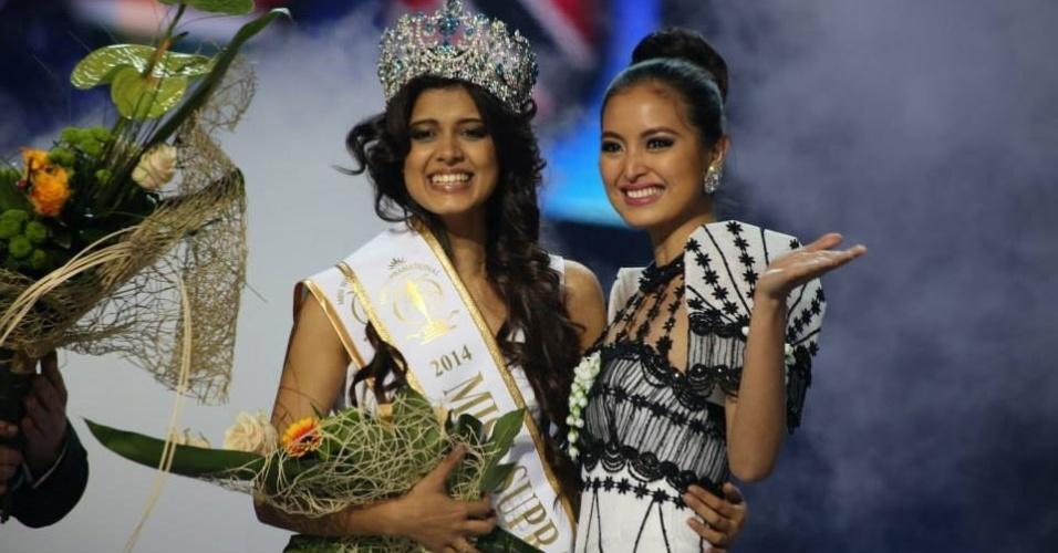 7.dez.2014 - A indiana Asha Bhat, 22, foi eleita Miss Supranational 2014, um concurso de beleza que reúne 70 candidatas de vários países. Em segundo lugar, ficou a Miss Tailândia, Pla Disramdong, e, em terceiro lugar, a Miss Gabão, Maggaly Nguema. O evento foi realizado na Polônia