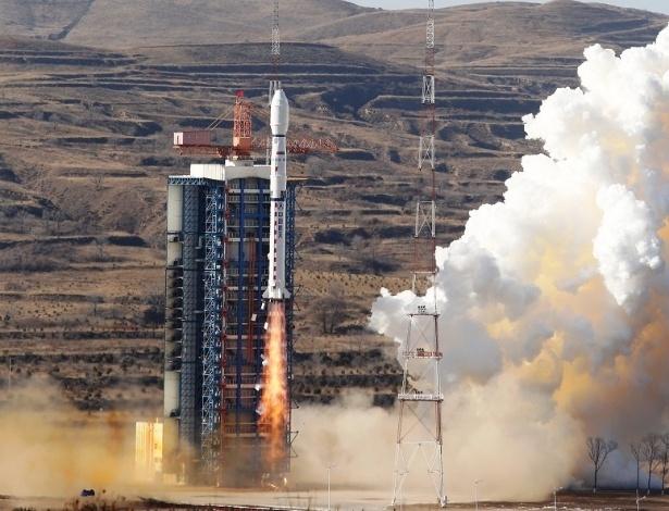 Lançamento do foguete que levou o satélite Cbers-4 ao espaço