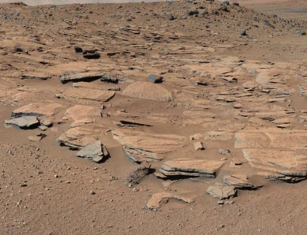 Imagens feitas pelo robô Curiosity no monte Sharp, em Marte
