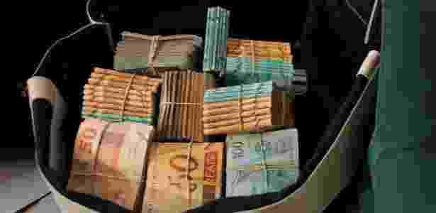 Corrupção e falta de transparência - Agência O Globo - Agência O Globo