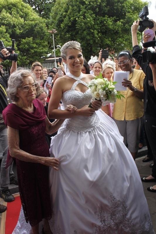Juliane Rosa da Silva casou-se no Hospital de Base de São José do Rio Preto, para que sua mãe, Rita Rosa, pudesse assistir à cerimônia. Rita sofre de esclerose múltipla e está internada no hospital