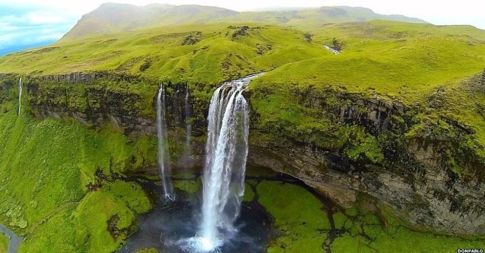 """""""Acredito que fotos como essa vão continuar a ser registradas, mas talvez por profissionais e não mais por quem apenas encara a prática como um simples hobby"""", avalia Dupin. (Selialandsfoss, Islândia)"""