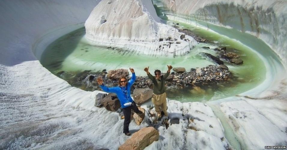 """""""É uma nova linguagem fotográfica e uma nova forma de descobrir coisas e paisagens que conhecemos, ou que achávamos que conhecíamos. Nenhum outro tipo de dispositivo é capaz de tirar essas fotos"""", acrescenta Dupin. (Baltoro Glacier, Karakorum, Paquistão)"""