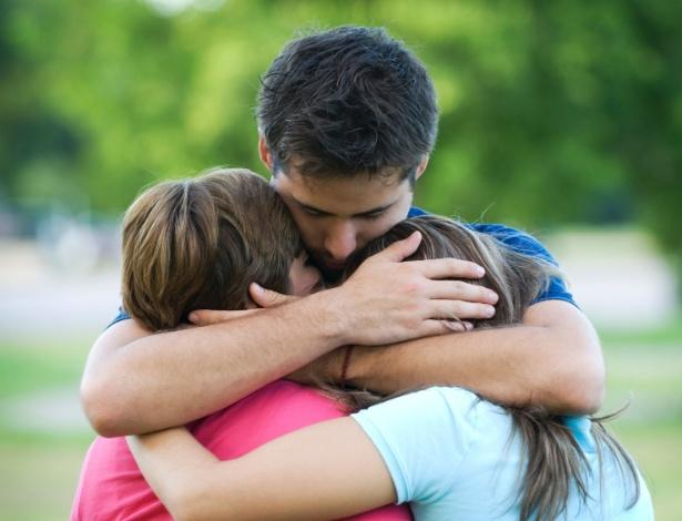 Aumento da frequência de abraços reduz efeitos nocivos do estresse - Thinkstock