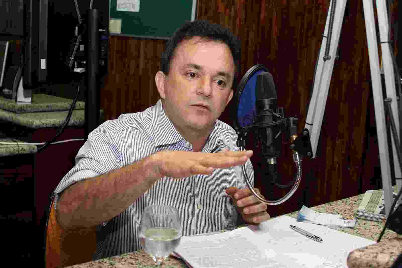 """19.dez.2014 - VANDER LUIZ DOS SANTOS LOUBET - Paulo Roberto Costa, ex-diretor de Abastecimento da Petrobras, citou o nome do deputado federal (PT-MS). Em resposta, Loubet disse estar surpreso. """"Nunca tive nenhum tipo de relação com ele"""" - Dilvulgação"""