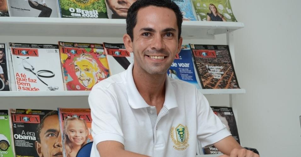 Diegho Emanueel Jomaluz de Barros, 30, foi condenado a três anos em regime fechado por comprar voto na eleição de 2008 para uma candidata a vereadora em Campina Grande. Ele é monitor do projeto de leitura da UEPB (Universidade Estadual da Paraíba) dentro do presídio do Serrotão