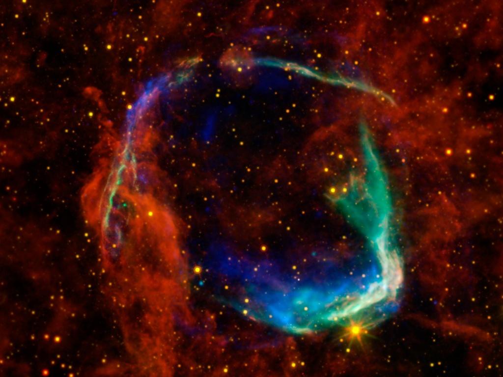 """22.dez.2014 - Em imagem de 2011 publicada nesta segunda-feira (22) um telescópio espacial registrou uma supernova, corpo celeste que aparece após explosões estrelares e criam estrelas tão brilhantes quanto uma galáxia inteira por vários dias, a cerca de 8000 anos-luz de distância. Astrônomos registram supernovas muito antes de existir uma compreensão teórica do evento. O mais antigo registro documentado é de 185 dC, quando chineses viram o que chamaram de """"estrela convidada"""""""