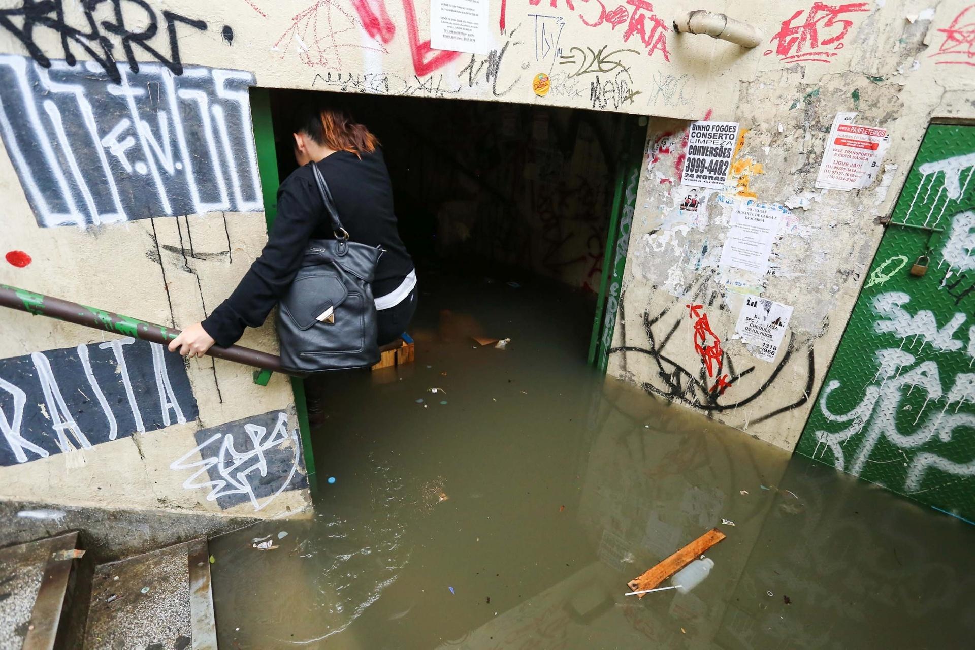 e3909c907d518 Veja fotos das chuvas pelo Brasil - BOL Fotos - BOL Fotos