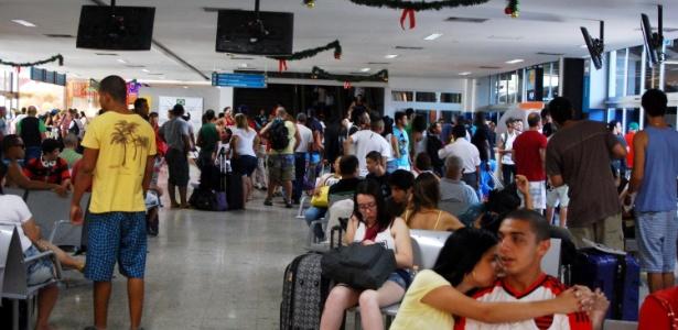 26.dez.2014 - Passageiros aguardam embarque na Rodoviária Novo Rio, no Rio de Janeiro (RJ), nesta sexta-feira (26)