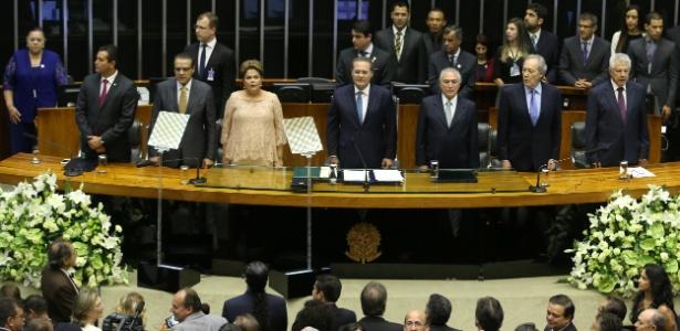 Dilma sobe à mesa diretora da Câmara - Sergio Lima/Folhapress