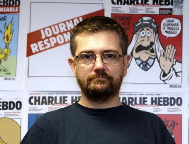 """7.jan.2015 - O cartunista e editor da revista francesa """"Charlie Hebdo"""", Stephane Charbonnier, conhecido como Charb, morreu nesta quarta-feira (7) em um tiroteio no escritório da revista em Paris, na França. A imagem é de arquivo e foi tirada no dia 12 de outubro de 2012. Homens armados e encapuzados invadiram a sede da publicação satírica semanal e atiraram contra funcionários, matando ao menos 12 pessoas"""