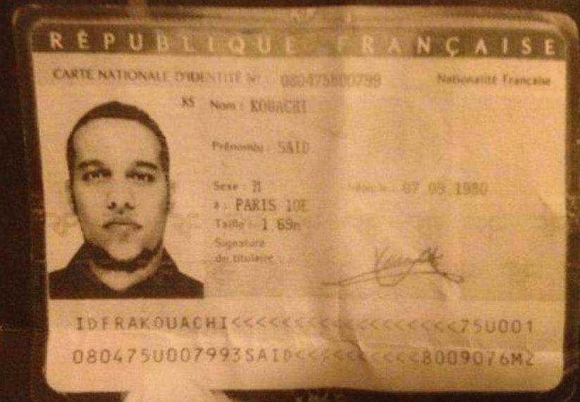 7.jan.2015 - Um agente da polícia francesa divulgou em redes sociais a reprodução de documentos com fotos dos irmãos suspeitos do atentado. Na foto, Said Kouachi
