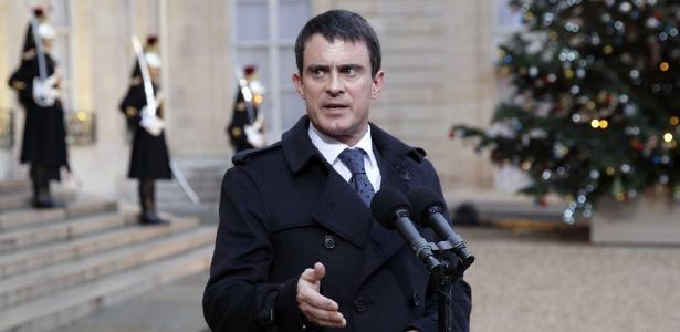 Manuel Valls defendeu o técnico Didier Deschamps das críticas feitas por Benzema