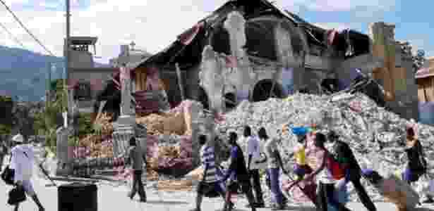 Terremoto no Haiti em 2010 destruiu a igreja Sacre Couer e matou cerca de 300 mil pessoas - Thony Belizaire/AFP - Thony Belizaire/AFP