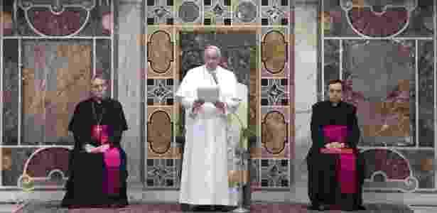 """Papa pediu que """"dirigentes religiosos, políticos e intelectuais, especialmente muçulmanos"""" condenem """"qualquer interpretação fundamentalista e extremista da religião que justifique"""" a violência - Claudio Peri/Reuters"""