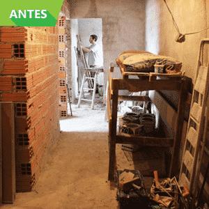 Antes e Depois de reforma em cozinha em moradia no Jardim Ibirapuera, na Zona Sul de São Paulo; obra foi feita pelo Projeto Vivenda - Divulgação