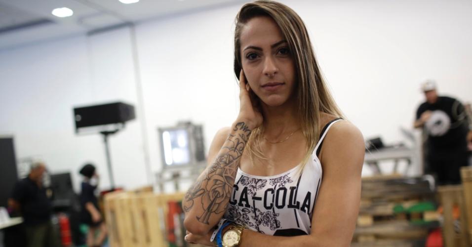 18.jan.2015 - Babi Colzario, 24 anos, aprendiz de tatuagem, participou do concurso Miss Tattoo 2015, realizado na Tattoo Week, no Centro de Convenções Sulamérica, no centro do Rio de Janeiro (RJ). Ela quis mostrar outra vertente das tatuagens.