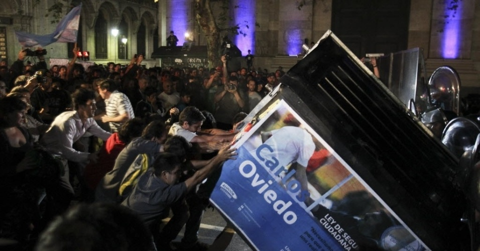 Argentinos v o s ruas exigir que morte de promotor seja for Case da 500 piedi quadrati