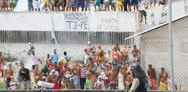 Rebelião no Complexo do Curado, em Recife, em janeiro de 2015