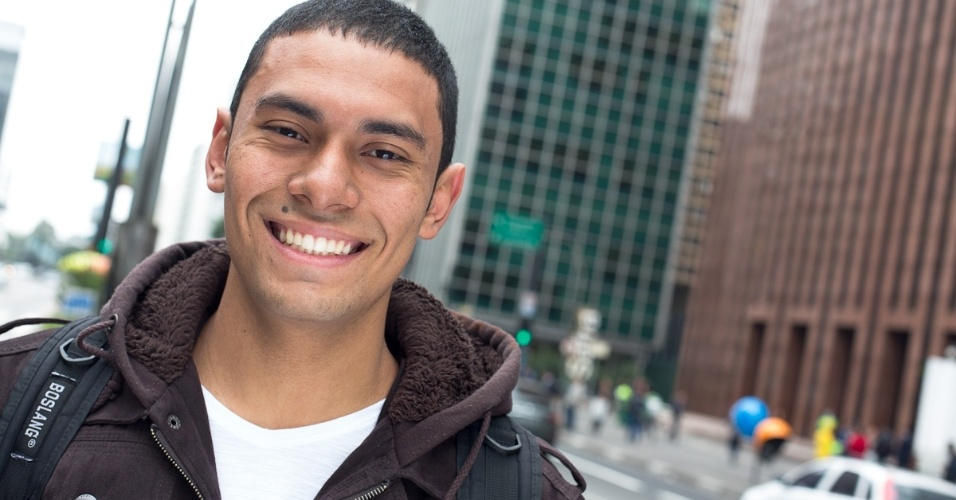 Filho de empregada doméstica, Abidan Henrique da Silva foi aprovado em engenharia civil na Fuvest e na Unesp