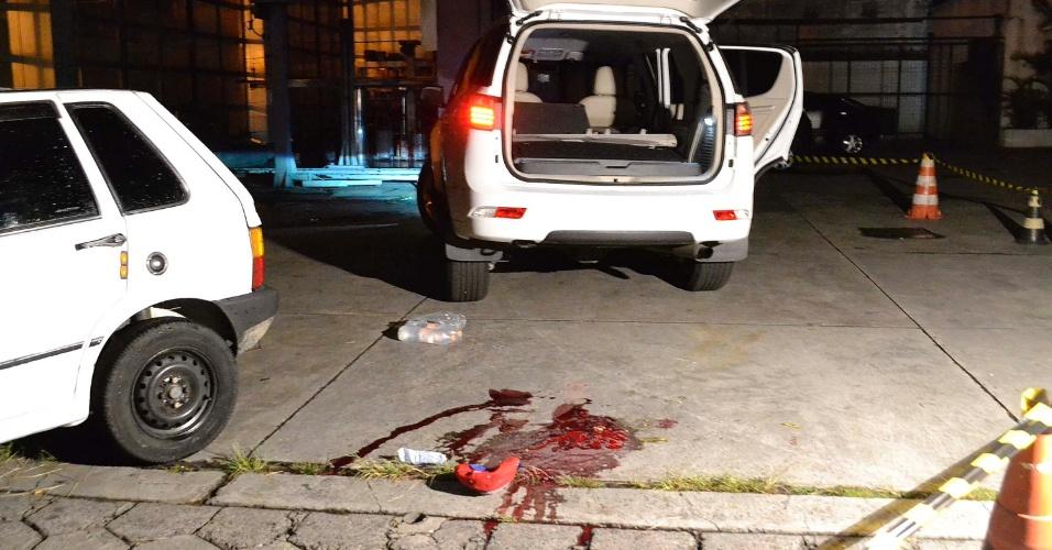 6.fev.2015 - O empresário Alexandre Gomes Dias foi morto a tiros em um posto de gasolina, na avenida Sapopemba, zona leste de São Paulo (SP), na noite desta quinta-feira (5). Segundo a polícia, a vítima, que é dona da casa noturna Fluxo Show, no Parque São Rafael, foi abordada por um desconhecido armado com um revólver que efetuou três disparos. Alexandre morreu no hospital estadual do Sapopemba