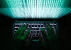 Detetives à moda antiga ajudam a desvendar quem são os hackers (Foto: Kacper Pempel/Reuters)