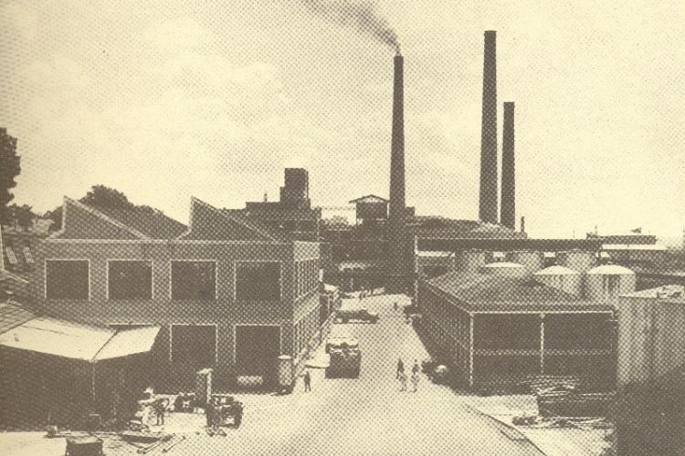 Imagem antiga da Casa das Caldeiras, onde funcionou um parque industrial das Indústrias Reunidas Francisco Matarazzo (IRMF) -                                                     Casa das Caldeiras