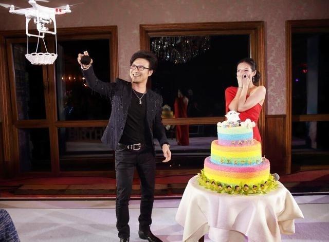 Em pedido de casamento de famosos chineses, drone chama muito mais atenção do que o anel de diamante de 9,15 quilates
