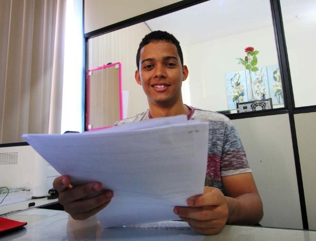 Wester Silva Vieira, 19, foi aluno de escola pública, estudou sozinho e passou em quatro faculdades públicas de medicina - Mário Bittencourt/UOL