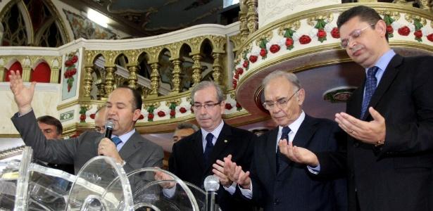 Eduardo Cunha participa de culto realizado pelo pastor Everaldo (PSC) no Rio, em imagem de fevereiro de 2015
