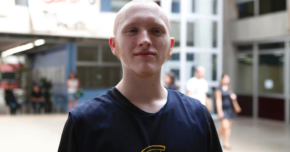 Resultado final: Tiago Prado, 19, completamente careca