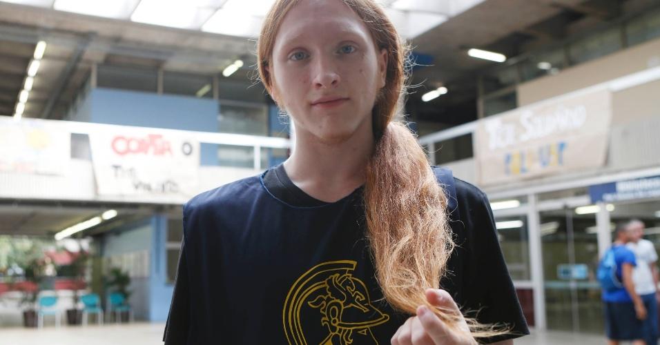 Tiago Prado, 19, doou os cabelos no trote solidário da Poli-USP