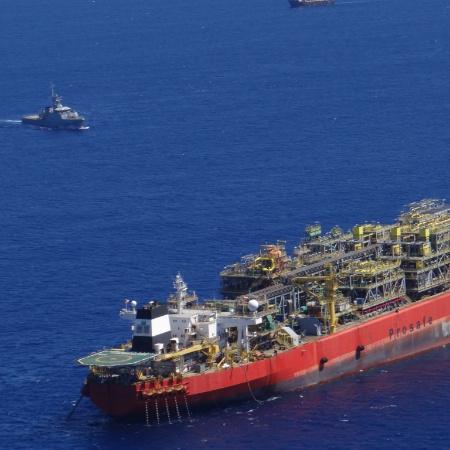 Além dos resultados ruins, petroleiras por todo o mundo têm cortado investimentos em exploração e produção - Marinha do Brasil/Divulgação