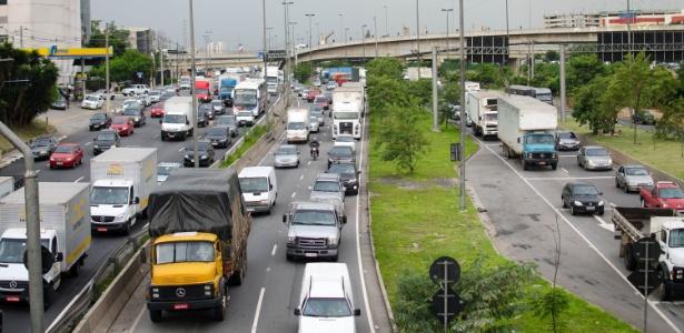 Circulação de caminhões nas marginais foi alterada
