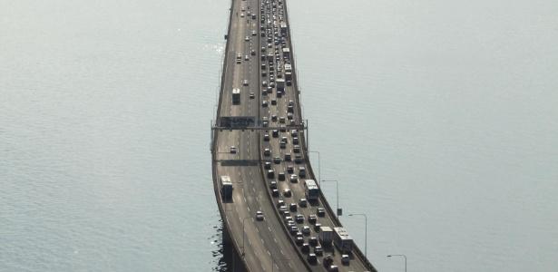 Inaugurada em 1974, a ponte Presidente Costa e Silva é uma via fundamental na região metropolitana do Estado do Rio. Ela faz a conexão entre Niterói e a capital fluminense