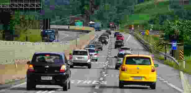 Rodovia SP-99 (Tamoios), no trecho entre os municípios de Paraibuna e Jambeiro, na região do Vale do Paraíba (SP) - Lucas Lacaz Ruiz/Estadão Conteúdo