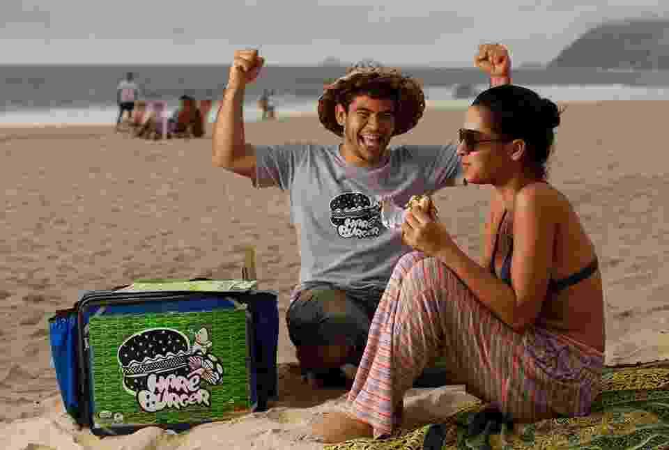 Franquia Hareburger, criada pelo empresário Raphael Krás, para vender hambúrguer vegetariano na praia - Divulgação
