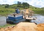 Mesmo com chuva, balsa na represa de Paraíbuna corre risco de parar - Denis Armelini/UOL