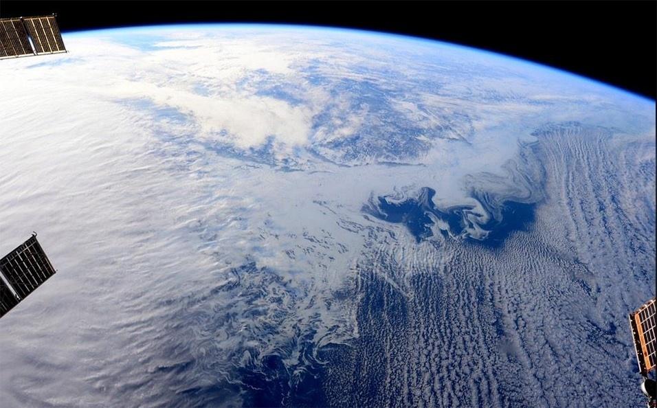 20.fev.2015 - O astronauta Terry W. Virts, que está em missão na ISS (Estação Espacial Internacional), registrou uma imagem feita do espaço das províncias orientais do Canadá cobertas de gelo
