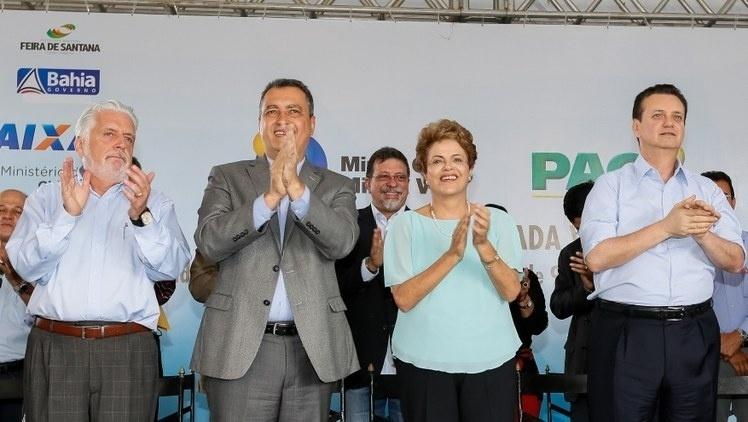 Durante inauguração de casas do programa Minha Casa, Minha Vida, a presidente Dilma Rousseff diz realizar ajustes econômicos