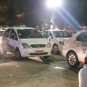 Táxis em ação na cidade de São Paulo