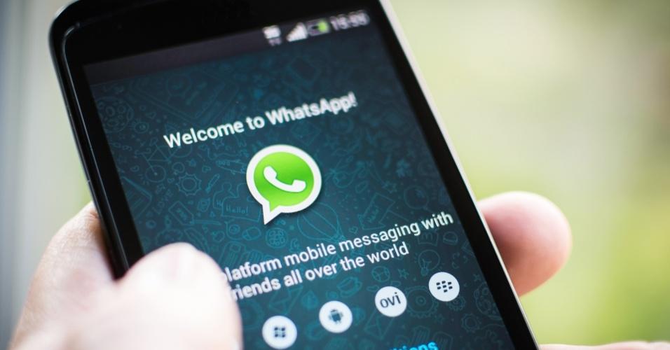 Expôs a conversa | Membro de grupo do WhatsApp é condenado a pagar R$ 40 mil no PR