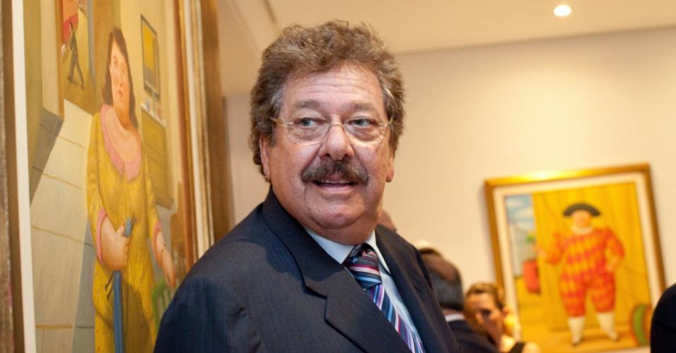 José Luís Cutrale, é industriário brasileiro, controlador de uma das maiores processadoras de suco de laranja do Brasil, a Cutrale