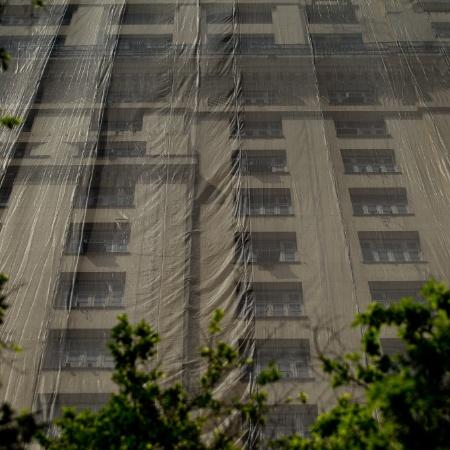 25.out.2012 - O histórico edifício A Noite, na zona portuária do Rio de Janeiro - Daniel Marenco/Folhapress