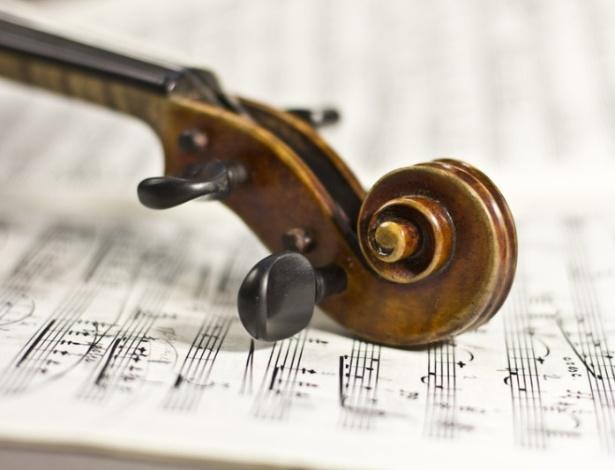 Escutar música clássica ativa genes associados à atividade cerebral